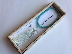 女性用数珠,アマゾナイト三十七珠 正絹房(薄く緑かかった白)1