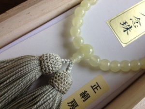 女性用数珠,オニキス 正絹房(薄い黄緑)2