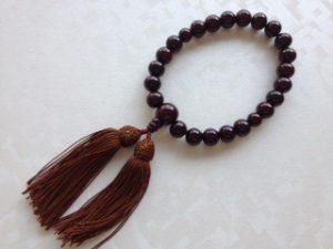 男性用数珠,縞黒檀(艶あり)人絹房1