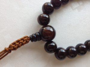 男性用数珠,黒檀(艶あり)人絹紐房2