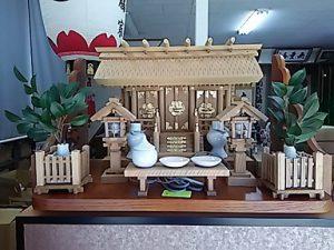 神棚,欅 彫屋根三社1